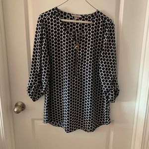 Navy and white Roz and Ali blouse size large